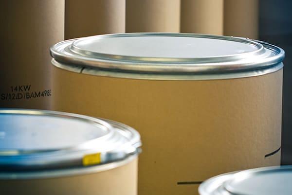Cinchos y tapas de acero galvanizado para envases y contenedores
